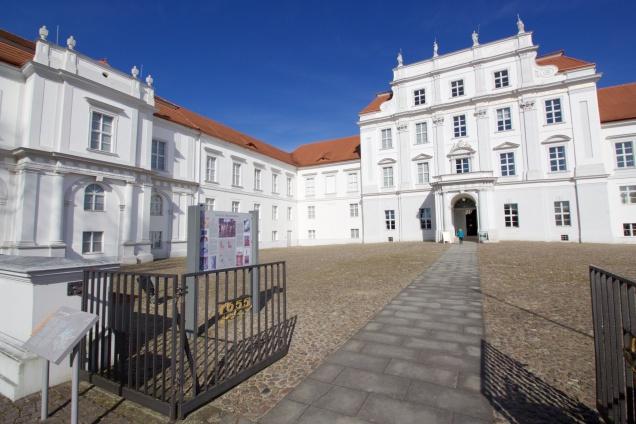 Oranienburg front courtyard