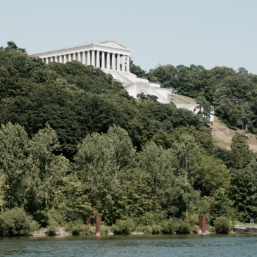Bavaria's Walhalla monument on the Danube near Ratisbon. Pic: Lisa de Jong/helderontwerpwerk.nl
